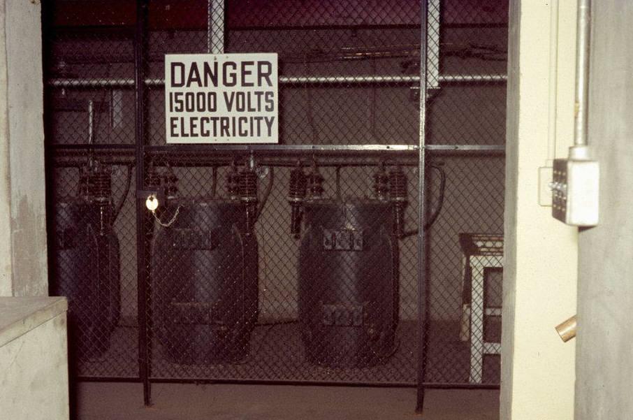 High Voltage Cage : Krnt am transmitter